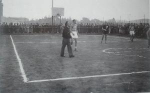 Una partita presso il campo dei CRDA di Monfalcone, anni Trenta